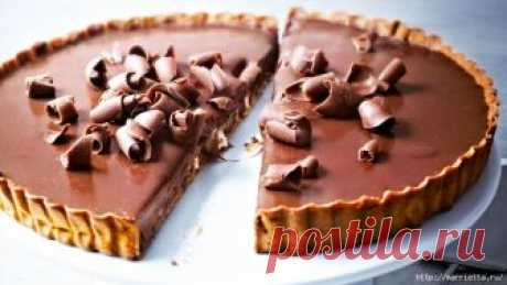 French Chocolate Tart. Classical recipe