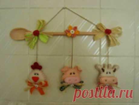 Хрюшка, буренка и курочка - игрушки для украшения кухни