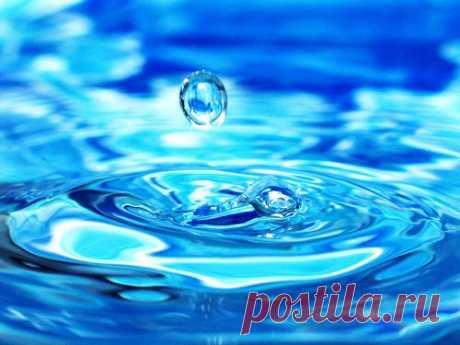 СИЛА КРЕЩЕНСКОЙ ВОДЫ: ИЗБАВЛЯЕМСЯ ОТ ПОРЧИ, НЕПРИЯТНОСТЕЙ И НЕУДАЧ.  Крещенская вода обладает множеством уникальных свойств, которые люди используют себе на благо. С её помощью можно исцелить болезни, а также избавиться от негатива. 19 января, в праздник Крещения, вод…