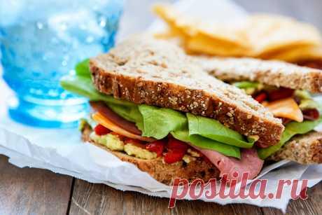 Chipotle Ростбифом Сэндвич с авокадо и жареный красный перец   Good Life Питается