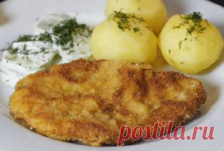 В Польше отбивные вкуснее, чем у нас. Их маринуют в молоке с чесноком