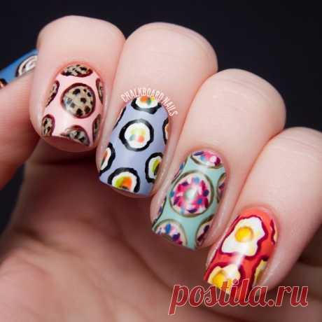 Публикация Chalkboard Sarah в Instagram • Июн 6 2014 в 6:28 UTC 3,557 отметок «Нравится», 63 комментариев — Chalkboard Sarah (@chalkboardnails) в Instagram: «Happy National Donut Day! Here are some gluttonous nails I did in April 2013 showcasing some of my…»