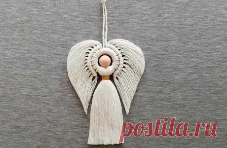 Красивый рождественский ангел из ниток в технике макраме
