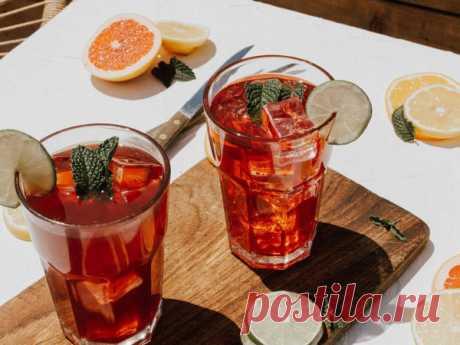 Мастер-класс смотреть онлайн: Освежись со вкусом: 5 простых рецептов прохладительных напитков, которые помогут пережить жару