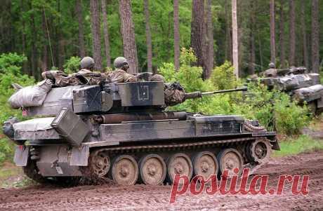 В Латвию доставлено 99 из 123 закупленных у Британии разведывательных гусеничных машин | Армия