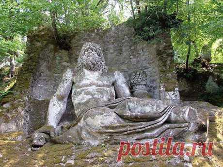 Чудовищный сад в Италии / Туристический спутник