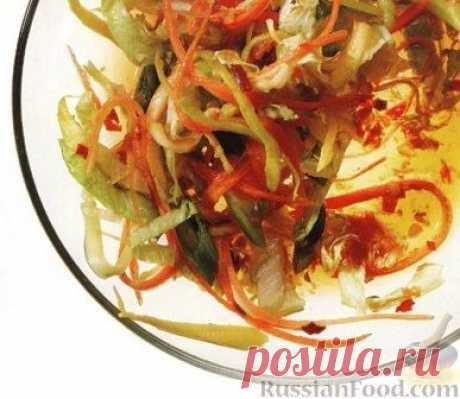 Рецепт: Овощной салат с пикантной заправкой