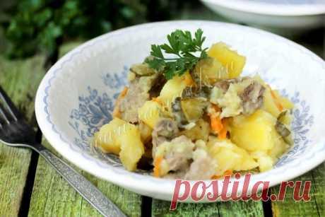 Жаркое с солёными огурцами в мультиварке — рецепт с фото, пошагово. Как приготовить жаркое из свинины с солеными огурцами?