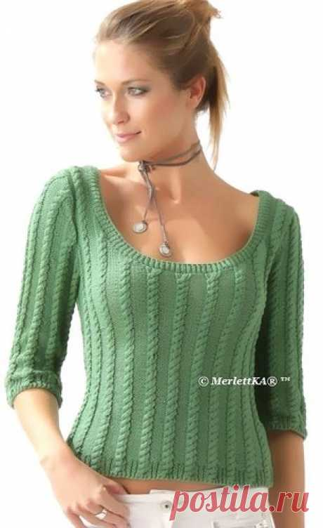 Вязание спицами - легкий пуловер узором переплетение с круглым вырезом