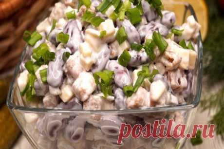 Потрясающе вкусный салат «Палочка-выручалочка»: никогда не приедается…