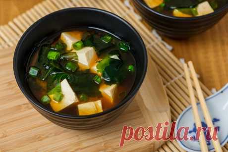 Мисо суп | | Кухня Кухня Решили себе устроить немного разнообразия. У нас сегодня рулит японская кухня. Попробуйте мисо суп - рецепт несложный, суп вкусный, мне понравился. Мисо паста - популярная приправа из Японии,