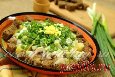 Салат с селедкой и картофелем - рецепт с фото