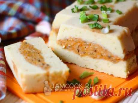 Картофельная запеканка с чечевицей. Нежная и вкусная вегетарианская запеканка из картофельного пюре и красной чечевицы с сочными жареными овощами и пряными специями.