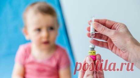 Стоит ли делать прививки детям: мнение врачей