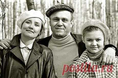 Вера Алентова, Владимир Меньшов и их дочь Юлия