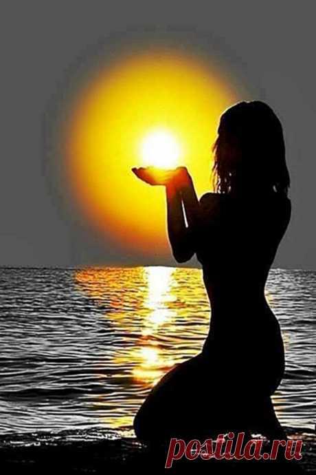Оставляйте плохие Мысли,  Отпускайте с Любовью, с Миром.  Всё вокруг наполняйте Смыслом  Добрым, праведным и красивым....