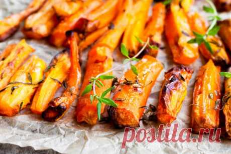 Запеченная морковь с чесноком и травами
