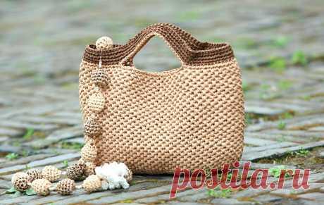 Как связать сумку за два часа: мастер-класс. Хозяйственная или пляжная сумка - быстро и просто! Такую сумку можно связать избечёвки, натурального шпагата или полипропиленового, веревки или трикотажной...