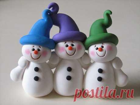 Cнеговик из полимерной глины | 25 фото | Snowman polymer clay Зима 🎄 – самое подходящее время, ❄ чтобы слепить поделку снеговик из полимерной глины. 🌲 Он будет радовать вас холодной зимой.