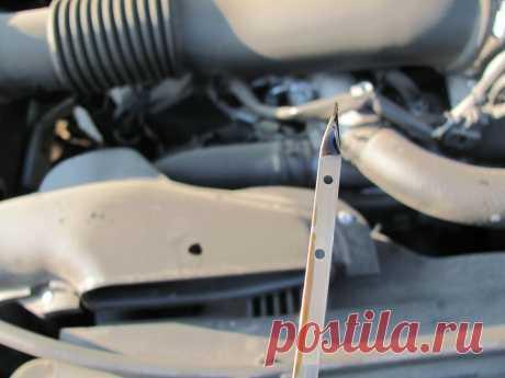 Упал уровень масла в двигателе: основные причины