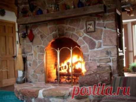 Как сделать камин своими руками? Простая инструкция по созданию красивого камина За окном лютует непогода, а в вашем доме потрескивают дрова в камине, полыхают небольшие язычки пламени, накрыт стол и вскоре вся семья соберется за ужином в уютной гостиной. Зачем нужен камин? Благод...