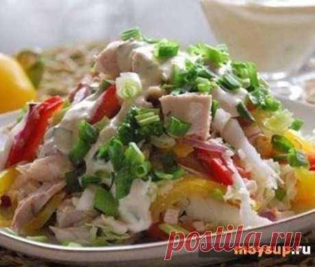 Куриный салат с ананасами и шампиньонами «Сказка»