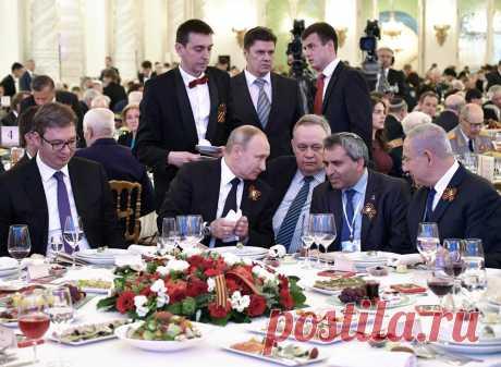 VUČIĆ ISPRIČAO NAJBOLJU ANEGDOTU SA PRIJEMA KOD PUTINA Oni su ušli i seli za sto, a onda je Putin rekao: Pa, da li je moguće...? (FOTO) | Vesti | Kurir