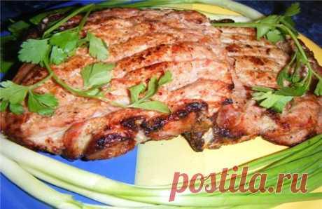 Национальная кухня - Туристический портал Молдовы Костица – блюдо молдавской кухни из свинины. На мой взгляд одно из основных мясных молдавских блюд. Как и многие молдавские блюда из мяса готовится на гратаре (мангал). Как правило, к блюду добавляется молдавский соус муждей.