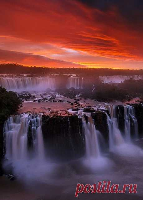 coiour-my-world:     The Seven Wonder - Iguazu Falls, #Brazil  by Pete Wongkongkathep     (via coiour-my-world)