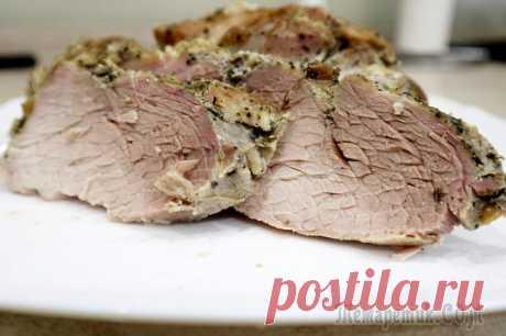 Запеченная свинина в фольге Очень вкусная, сочная и мягкая свинина получается по этому рецепту. Мясо вкусное как в холодном, так и горячем виде. Великолепно подойдет к любому гарниру или салату, а также послужит отличной замене ...