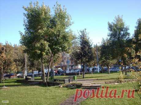 Сквер в Смоленске.  ---   Public Garden In Smolensk  Free Stock Photo HD - Public Domain Pictures