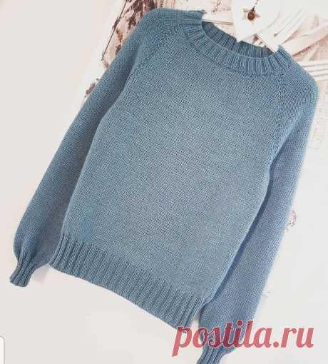 Базовый пуловер спицами размер S • пряжа Alize Lanagold 800 ,800м-100 гр-3 мотка (в 2 нити) • спицы N4,N5 • резинка для 2×2-N4 • основное полотно N5 • на спицы N4 набрать 128+1,замкнуть в круг ,12 рядов резинки 2×2 ,13 ряд лицевой на N5 +маркировка,спинка 40п,перед 48