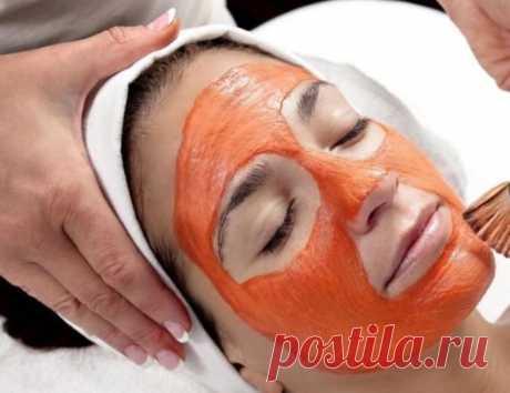 Морковная маска вернет коже лица молодость и сияние Косметологи заверяют, что морковь обладает уникальными способностями для кожи лица. В частности, она может вернуть цвет, если та потускнела и поблекла и даже устранить мелкие высыпания, поскольку обладает противовоспалительным эффектом.