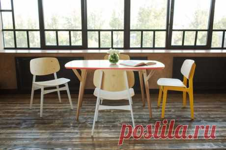 Купить стол для красивой и комфортной обеденной зоны можно в нашем маркетплейсе. Например, прямоугольные модели в наличии: