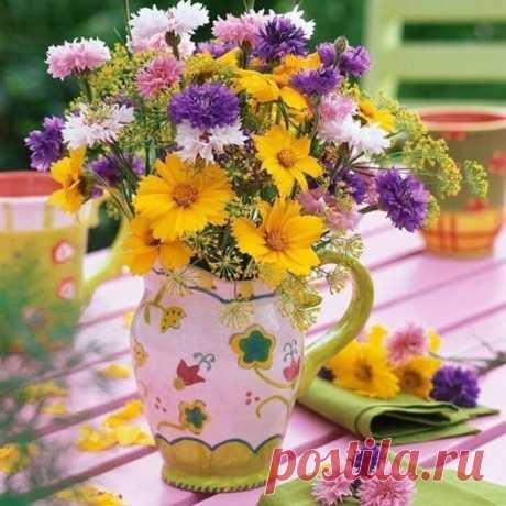Пусть ваш день начнётся хорошо, а закончится ещё лучше! Замечательного утра,переходящего в прекрасный день!