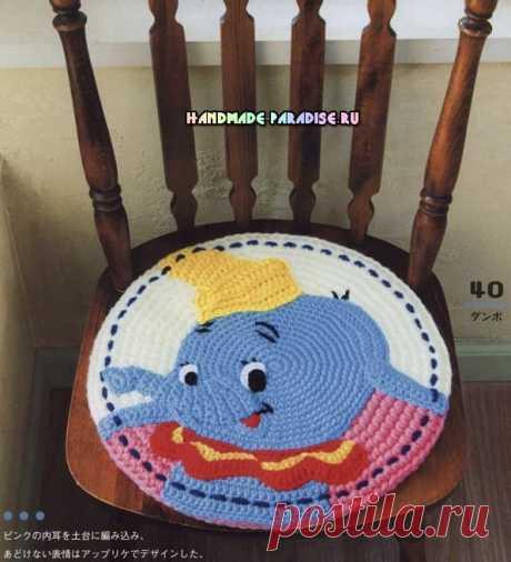 Яркие сидушки-игрушки для детских стульев крючком
