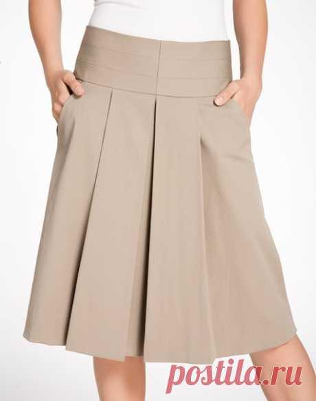 Красивая и стильная офисная юбка со складками