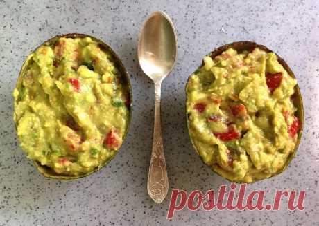 Гуакамоле — рецепт классический с авокадо и помидорами [2018] Гуакамоле — рецепт классический с авокадо и пошаговыми фото приготовления самой популярной мексиканской закускив нашем меню.