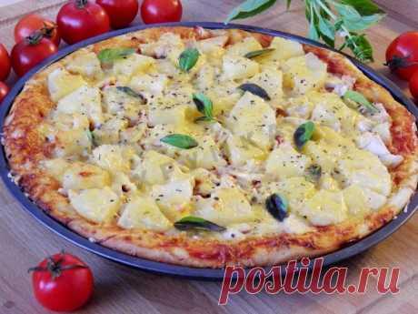 La pizza con la gallina y las piñas