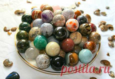 Not only jewelry: 9 semiprecious stones which treat!