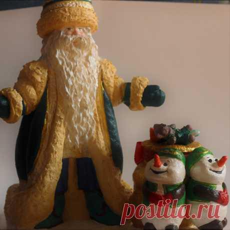 Колоритный  татарский  Кыш Бабай под вашу ёлочку.Переводится как «зимний дедушка».Кыш Бабай очень похож на русского Деда Мороза, но выглядит и одевается немного по-другому. Он ведь родился в Татарстане, а там любят зелёный цвет и носят тюбетейки вместо шапок.
