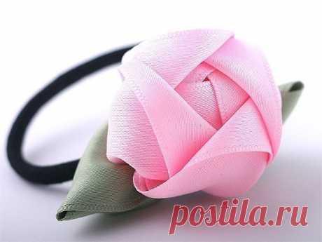 Las rosas magníficas volumétricas de las cintas.
