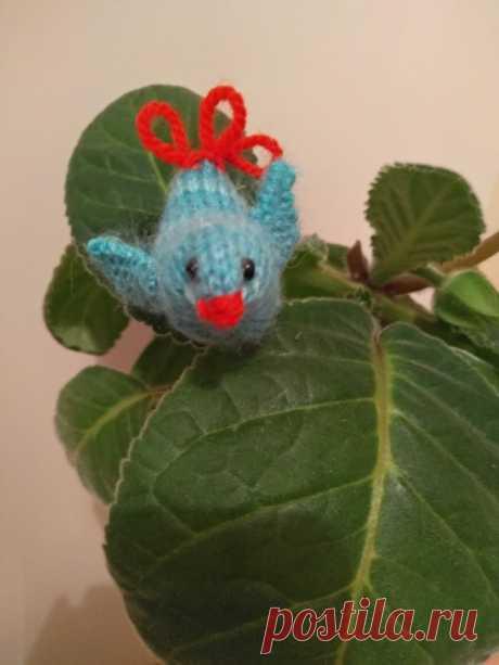 Птичка - украшение для домашних растений. Амигуруми. Вязаные игрушки - подарок любимым.