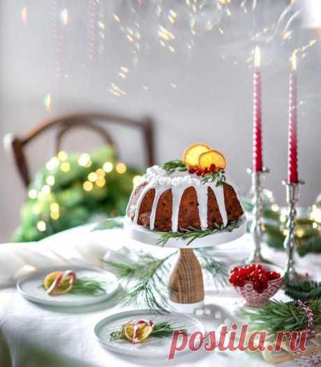 Нарядный творожный кекс с апельсинами изюмом и орешками