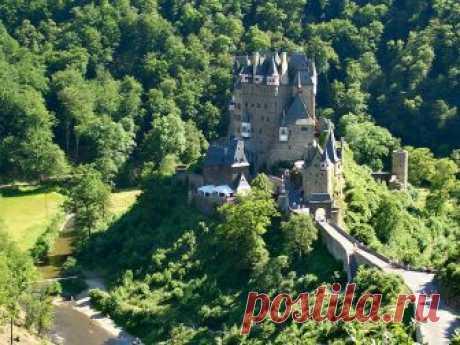 Замок Эльц,достающий до облаков