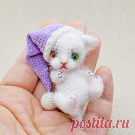 Кисуля амигуруми. Бесплатный мастер-класс от Ирины Чернявской по вязанию маленького котика крючком