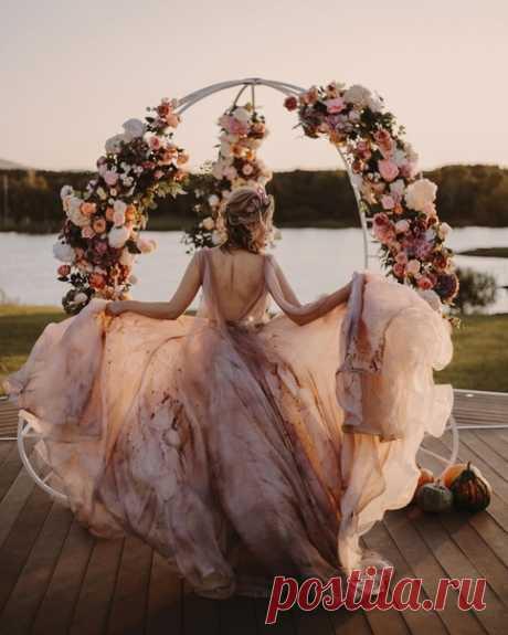 Платье, которое взорвало Инстаграм 💥 #weddywood_опрос