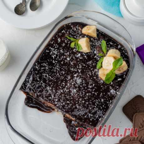 Видеорецепт: торт из шоколадного печенья