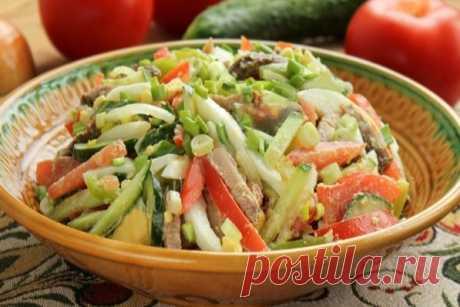 Салат Бахор ⋆ Кулинарная страничка «Бахор» с узбекского переводится как «весна» и, несмотря, на присутствие в нем хорошей порции мяса, салат легкий и свежий. В качестве мяса обычно используется баранина или говядина, вместо...