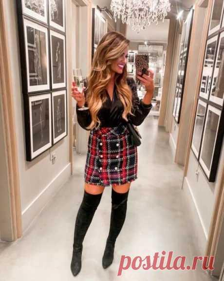 Как носить юбку с сапогами, чтобы подчеркнуть достоинства фигуры